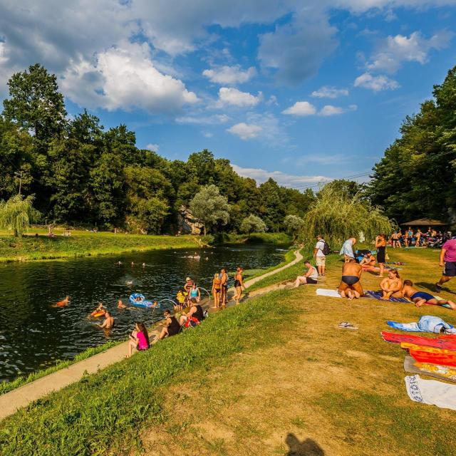 Gradsko kupalište Rastoke na rijeci Korani<br /> Fotografije: Zvonimir Barišin; Robert Fajt, Marko Miščević/CROPIX