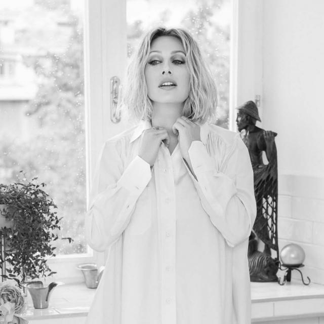 Fotografije: Mare Milin<br /> Styling: Romano Decker<br /> Make-up: Saša Joković<br /> Kosa Ante Pažanin@Salon Glamour<br /> Hvala Ivi Lei Dežmar na ustupljenom stanu